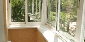 Остекление балкона алюминием под ключ, внутренняя отделка - деревянная вагонка