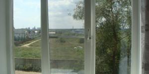 Трехстворчатое окно под ключ