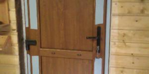 Входная дверь с нажимным гарнитуром и ламинацией